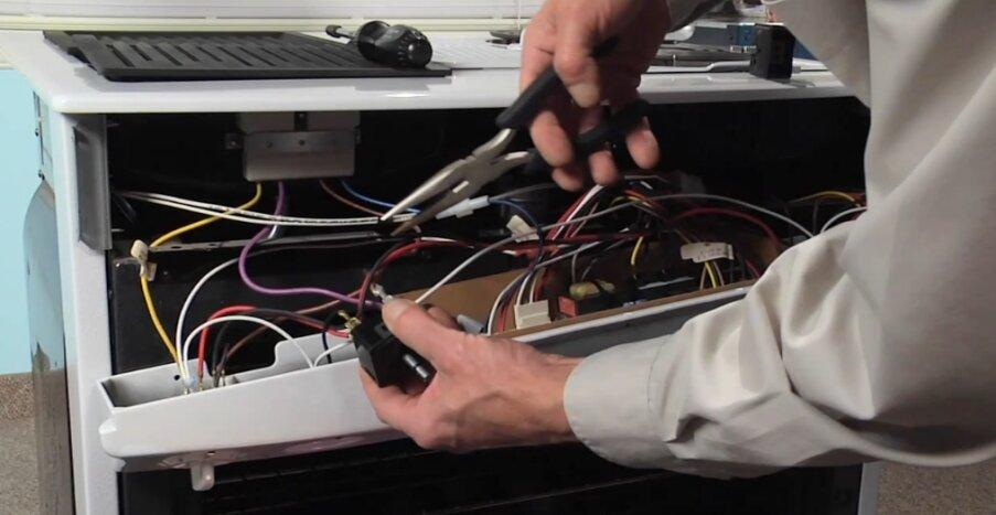Мастер по ремонту газовых плит гефест